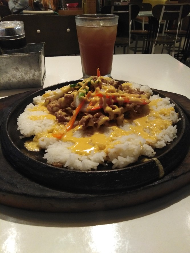 Cheesy Beef Rice by Sizzlin' Steak